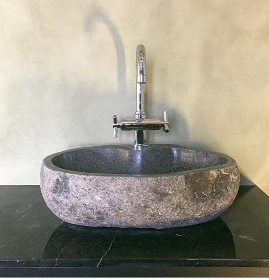 river stone kameni lavabo