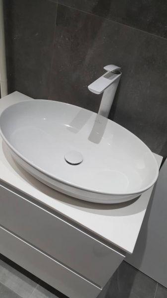 vb artis umivaonik - kludi balance baterija - ormarić po meri