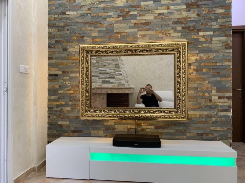 televizor u ogledalu